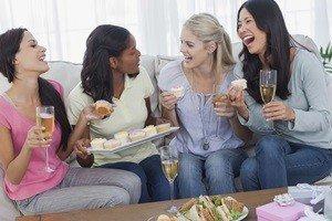 כך תבני תפריט אוכל למסיבת רווקות